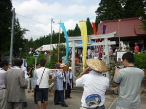 (10/08/15)渡御祭・行列出発